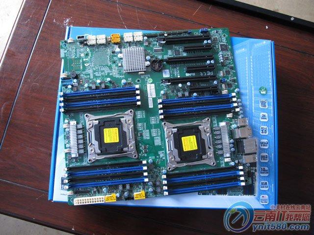 超微X10DAI服务器主板   超微X10DAI是一款性能出色的双路工作站主板,支持先进技术的新款英特尔至强E5-2600 v3双处理器(18核,160WTDP),内置16个DIMM内存插槽,1TB2133MHzReg.ECC内存,热插拔NVMe固态硬盘,10个12Gb/sSAS3接口,支持RAID0,1,5,10,5个PCI-E3.0扩展插槽,两个千兆以太网端口,6个USB3.
